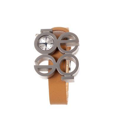 Reloj Cloe en Color Camel