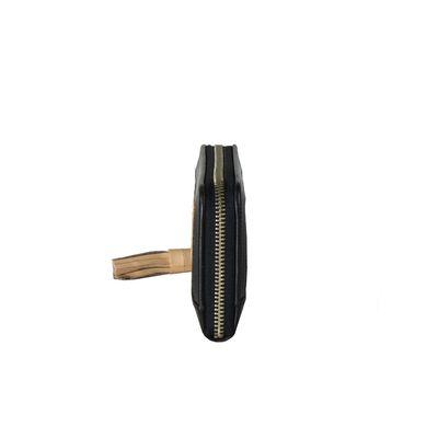 Cartera de Piel con Corte Láser en Color Negro