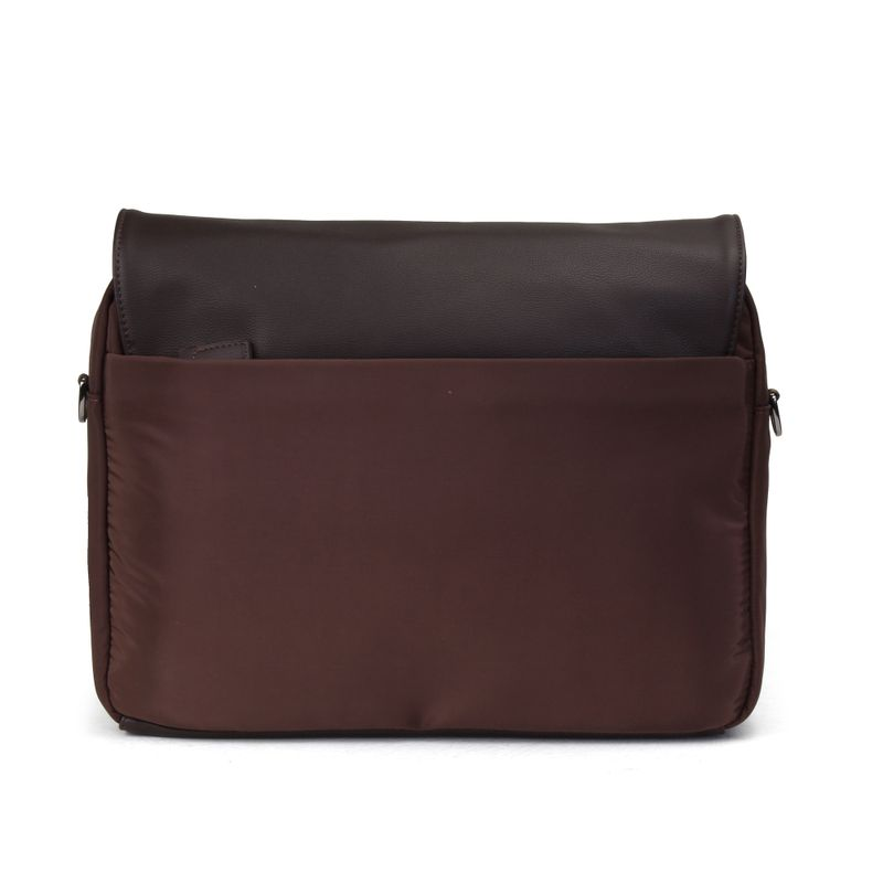 Mensajera-Porta-Laptop-14--Uomo-en-Color-Cafe-|-Cloe