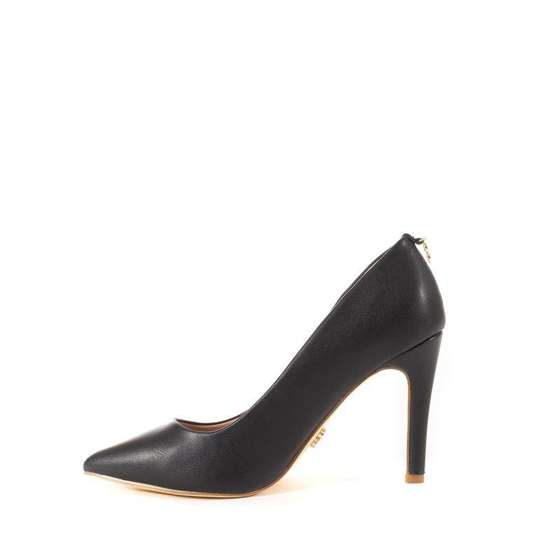 Zapatilla-Puntal-Basica-con-Colgante-en-Tal�n-en-Color-Negro-|-Cloe