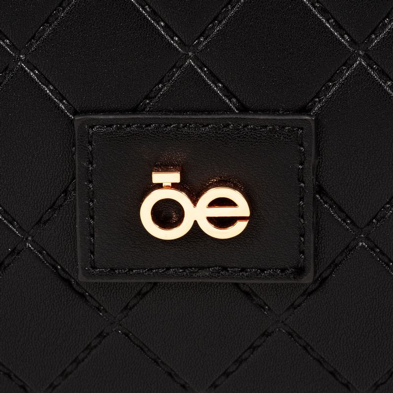 Set-de-Maleta-Embossado-con-detalles-Metalicos-en-Color-Negro-|-Cloe