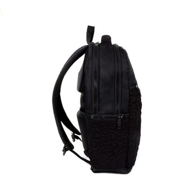 "Mochila Porta Laptop 16"" Color Negro"