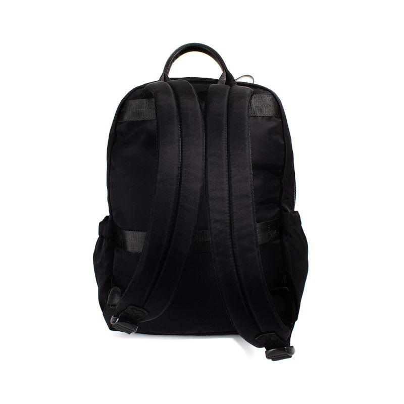 Mochila-de-nylon-color-negro-en-Color-Negro-|-Cloe