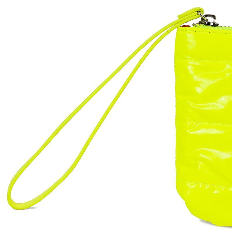 Cartera-pouch-abullonada-color-amarillo-limon-en-Color-Limon-|-Cloe