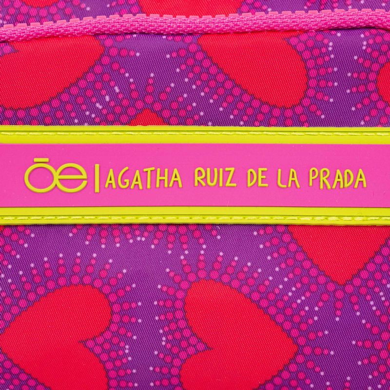 Cangurera-Cloe-by-Agatha-Ruiz-de-la-Prada-con-Estampado-Corazones-en-Color-Magenta-|-Cloe