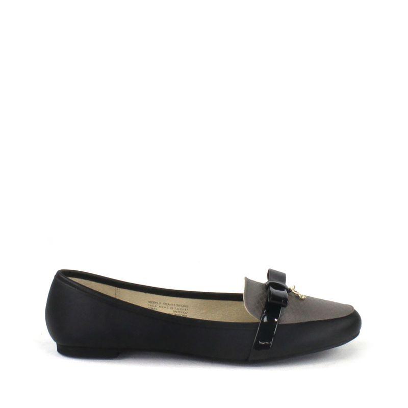 Flat-en-Bloques-de-Color-y-Detalle-de-Moño-en-Color-Negro-|-Cloe
