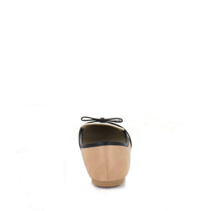 Flat-en-Bloques-de-Color-y-Detalle-de-Moño-en-Color-Camel-|-Cloe
