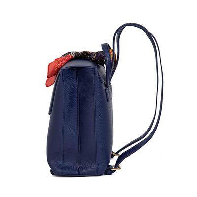 Mochila Al Corte Con Mascada Desprendible Color Azul Marino
