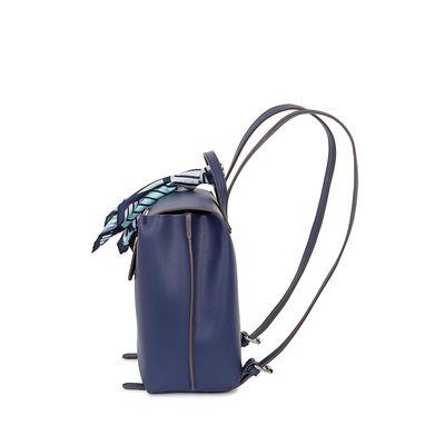 Mochila con Mascada Estampado Geométrico color Azul Marino